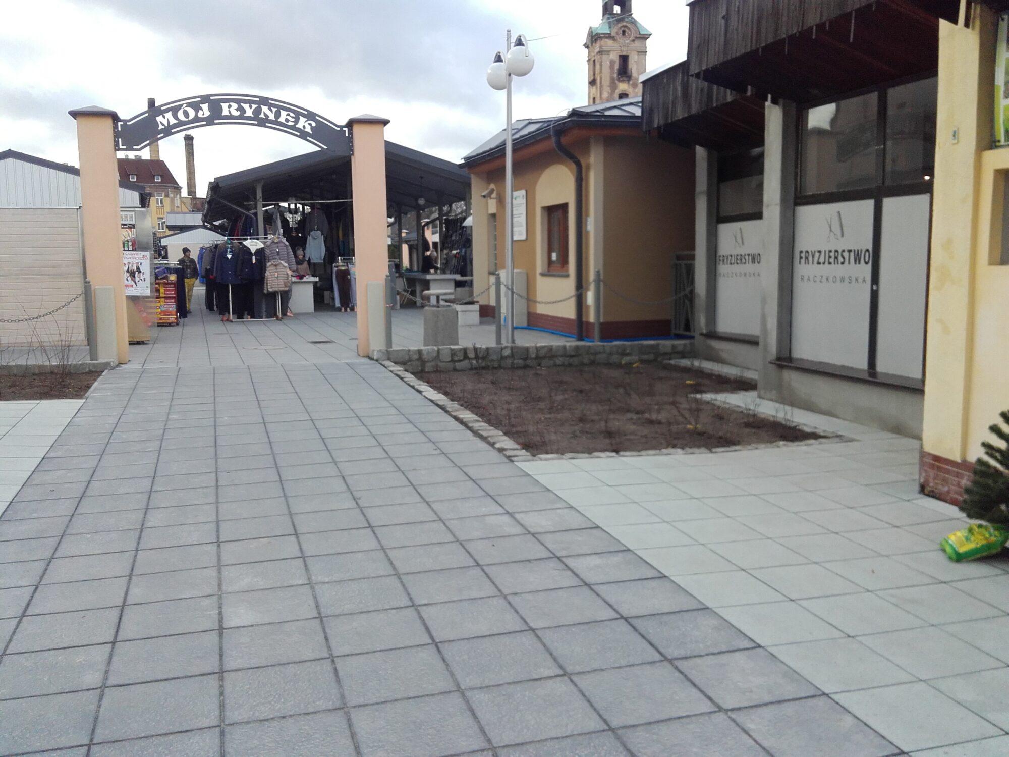 (Polski) Rynek miejski w Żarach