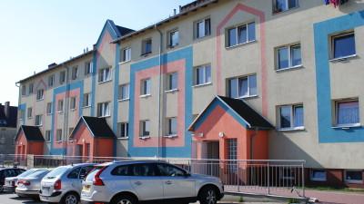 (Polski) Budynki socjalne przy ulicy Okrzei w Żarach