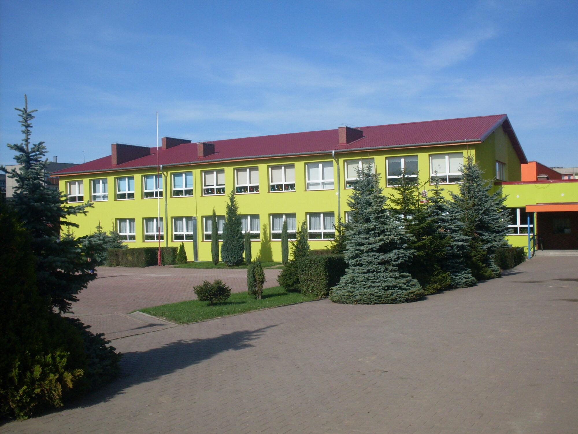 (Polski) Termomodernizacja budynków Szkoły podstawowej nr 1przy ulicy Chopina w Żarach