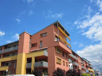 Budynki wielorodzinne przy ulicy Wietrznej we Wrocławiu