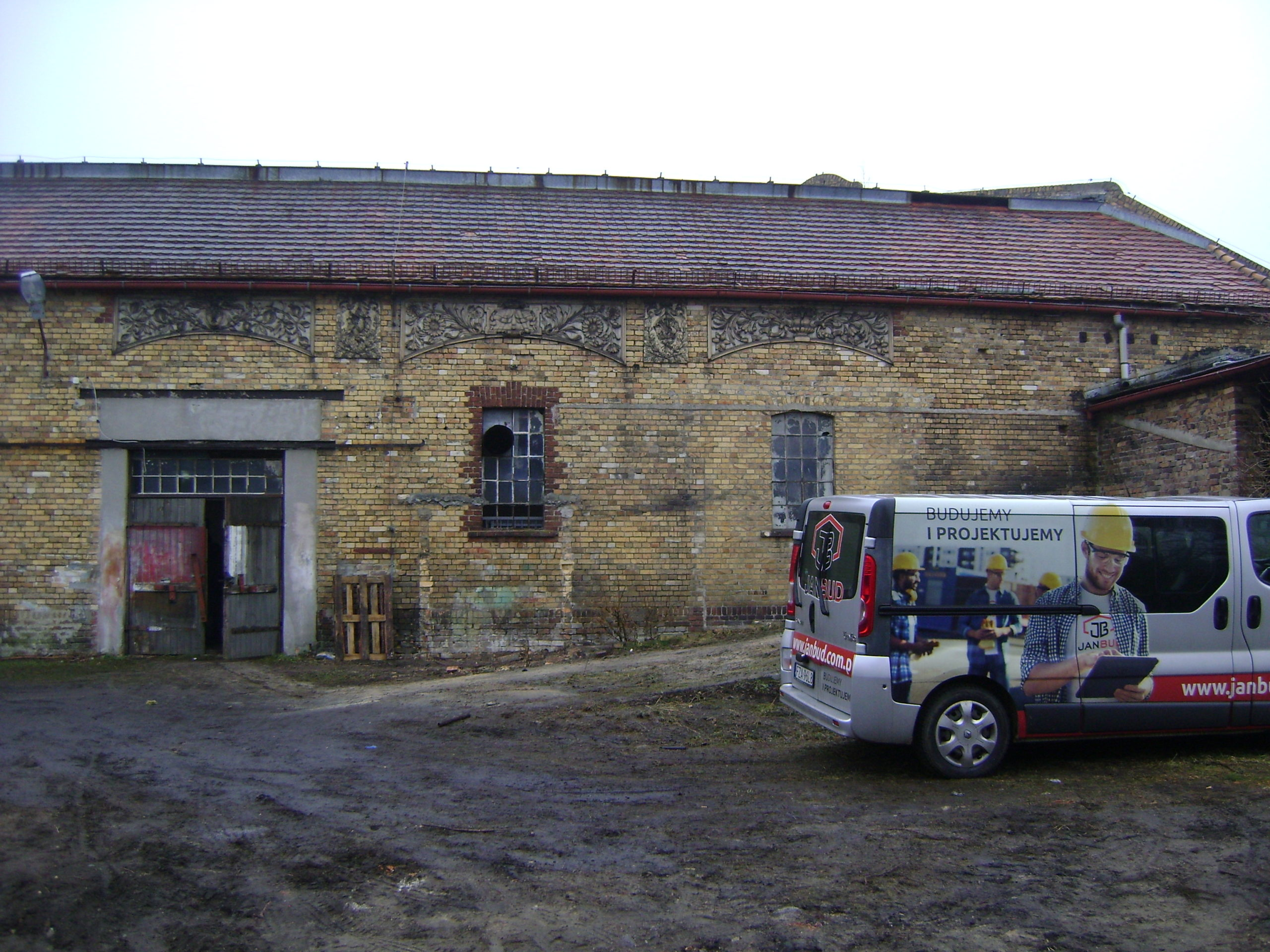 Renovation works on a building in Łęknica